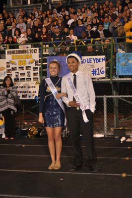 homecoming_game0838