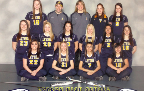Varsity Softball Team Comes Out Swinging