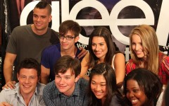 By Keith McDuffee from Northborough, MA, USA (Glee cast) [CC-BY-2.0 (http://creativecommons.org/licenses/by/2.0)], via Wikimedia Commons