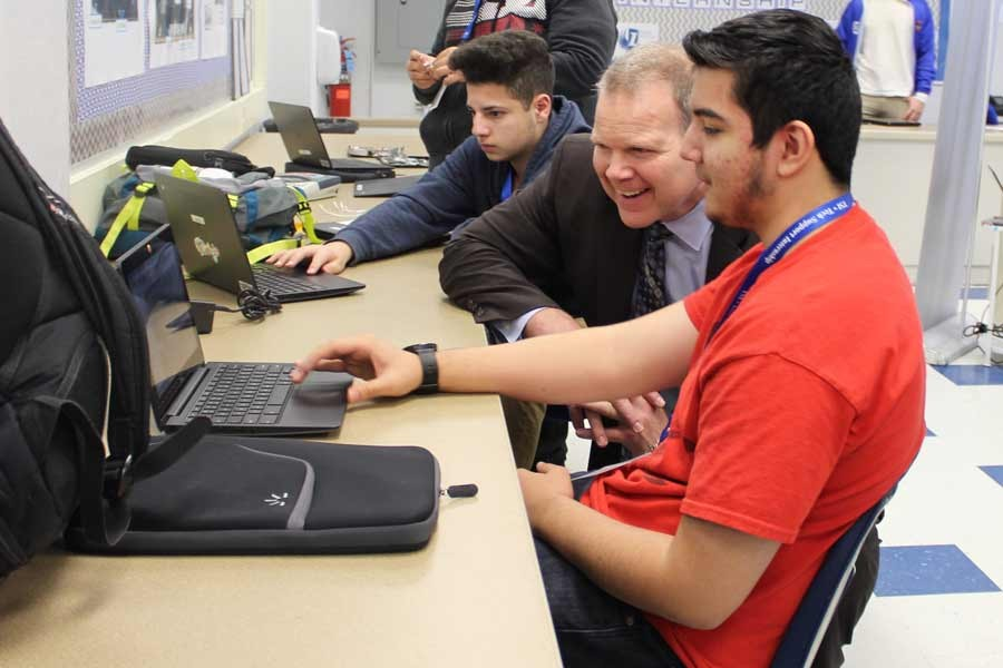 State Superintendent Tony Smith visits TSI.